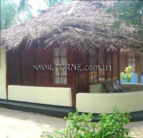 The Tsunami Hotel Шри-Ланка Аругам-Бей