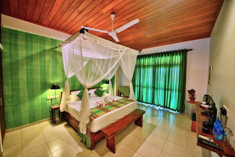 Rock Side Beach Resort Шри-Ланка Индурува