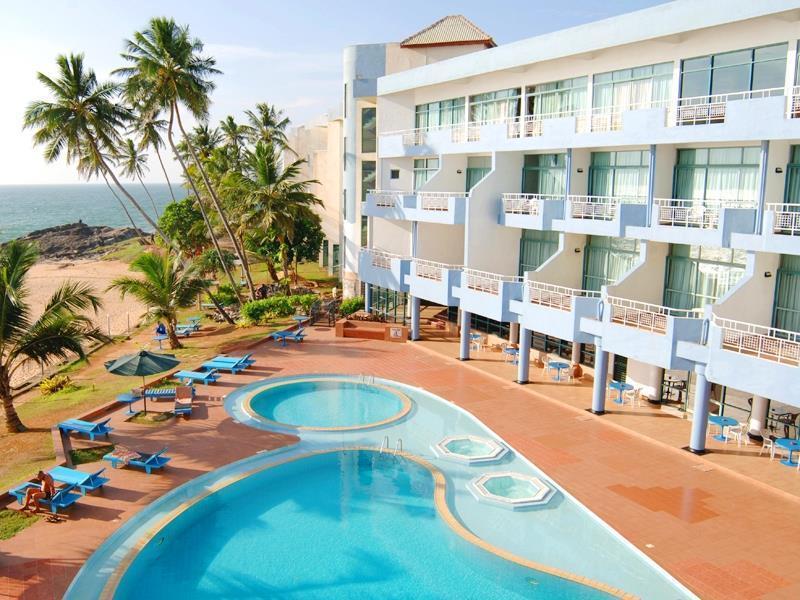 Induruwa Beach Resort Индурува
