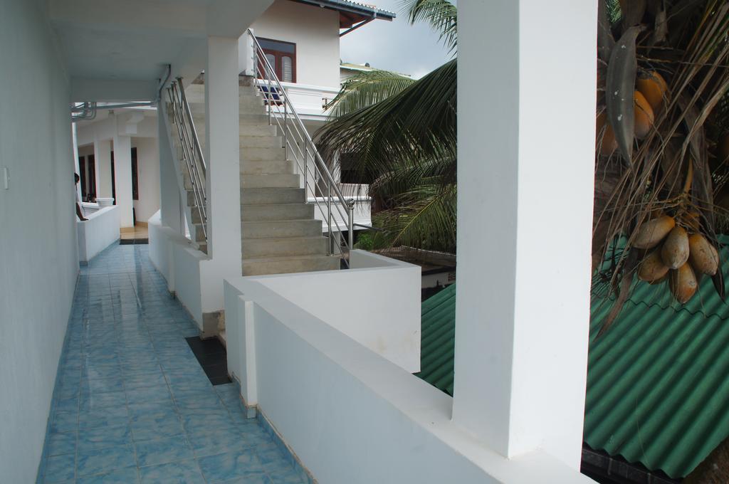 Ritas Hotel Хиккадува