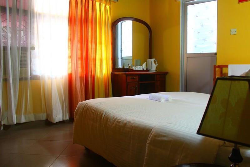 Фото Sage Fortress Hotel Негомбо
