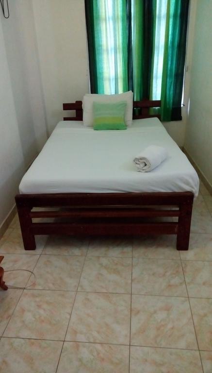 Отель Saffron Hotel Шри-Ланка Унаватуна