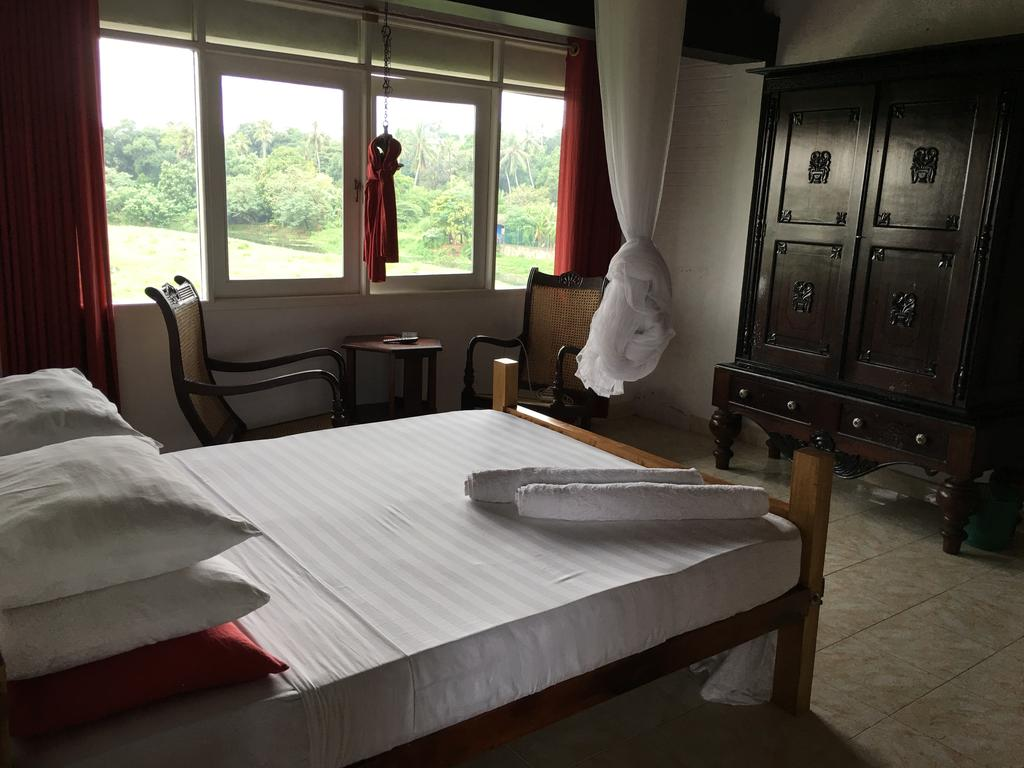 Фото Saffron Hotel
