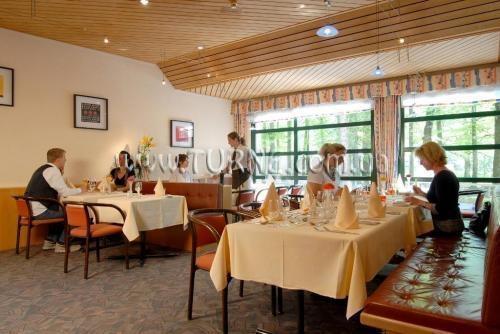 Отель Das Sherlock Holmes Hotel Швейцария Берн