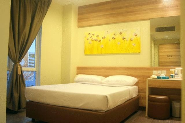 Фото Hotel 81 Dickson 2*