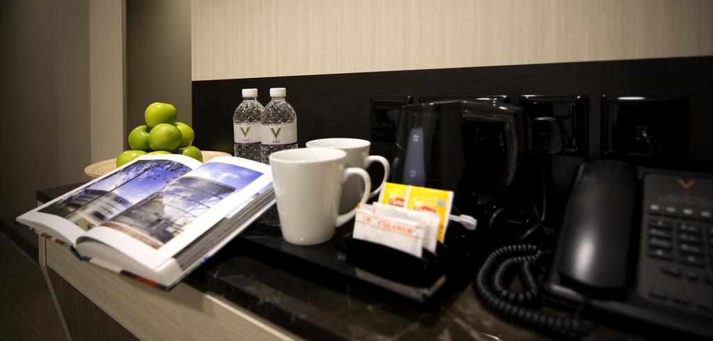 V Hotel Bencoolen Сингапур Сингапур