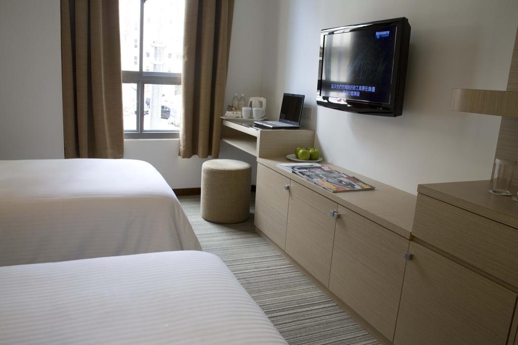 Фото Aqueen Balestier Hotel 3*