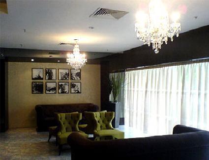 Фото Hotel 81 - Tristar 2*