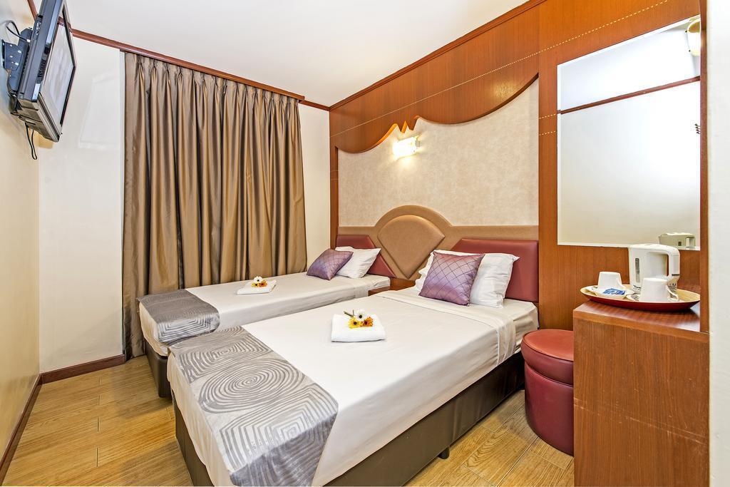Фото Hotel 81 Palace 2*