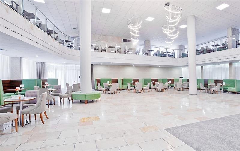Отель Smaragd Дудинце
