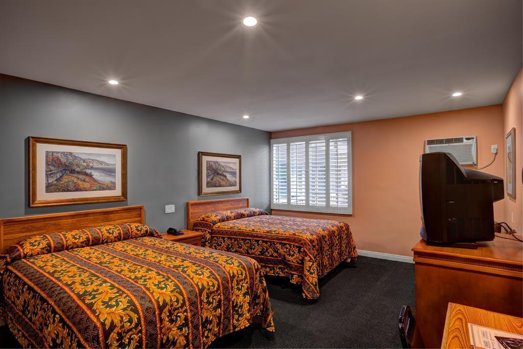 Отель Dunes Inn Wilshire США Лос-Анджелес