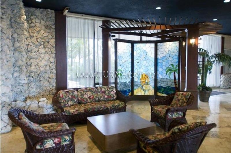 Фото Days Hotel Thunderbird Beach Resort