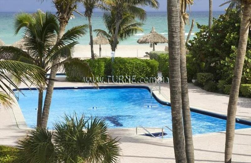 Фото Days Hotel Thunderbird Beach Resort Майами