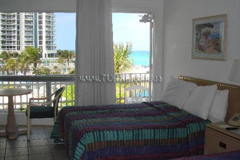 Отель Days Hotel Thunderbird Beach Resort Майами