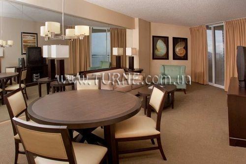 Doubletree Ocean Point Resort & Spa Майами
