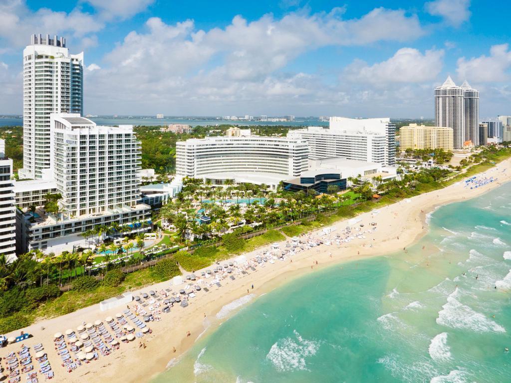 Фото Fontainebleau Miami Beach США