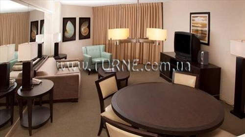 Отель DoubleTree by Hilton Ocean Point Resort & Spa Sunny Isles Майами