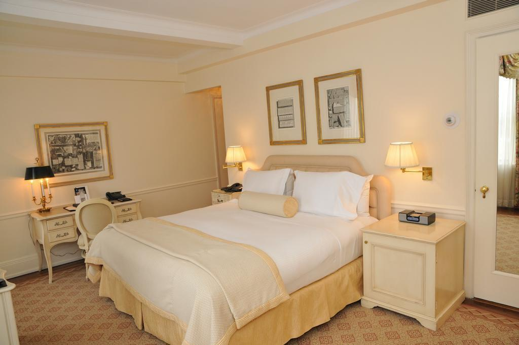 Фото The Carlyle, A Rosewood Hotel Нью-Йорк