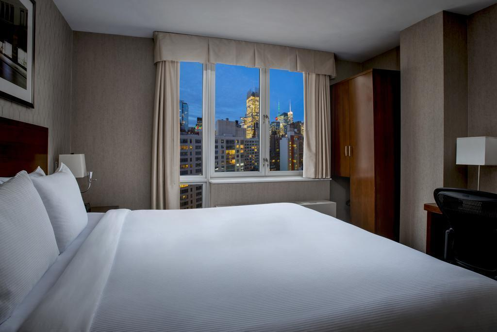 Фото Doubletree By Hilton Nyc - Financial District