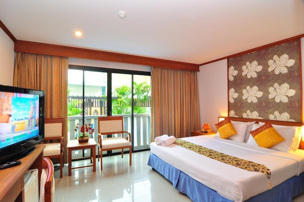 Отель Rattana Beach Hotel Таиланд (Тайланд) о. Пхукет