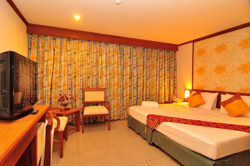 Rattana Beach Hotel о. Пхукет