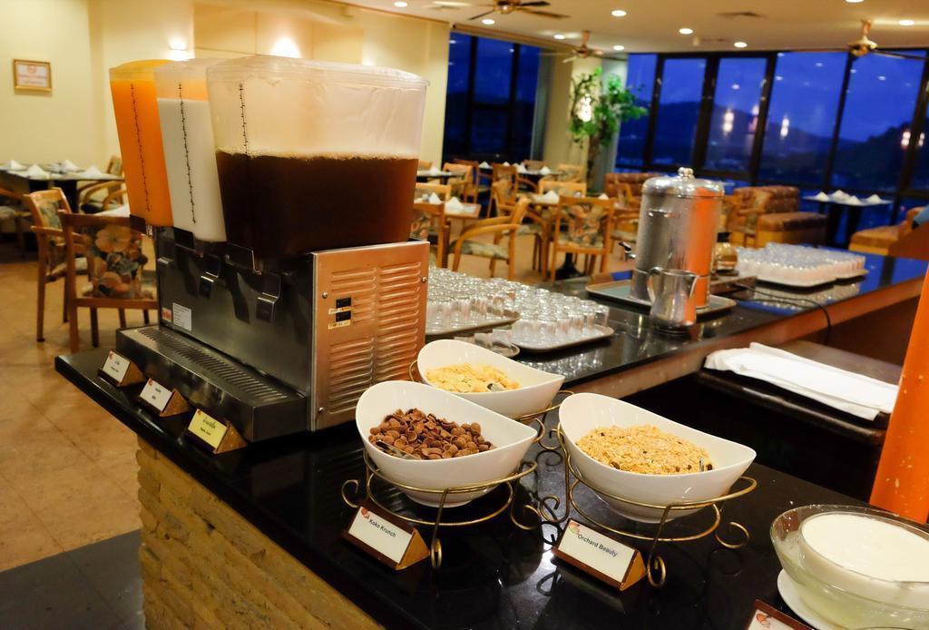 Фото Royal Phuket City Hotel
