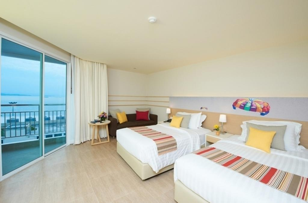 Фото Pattaya Sea View 4*