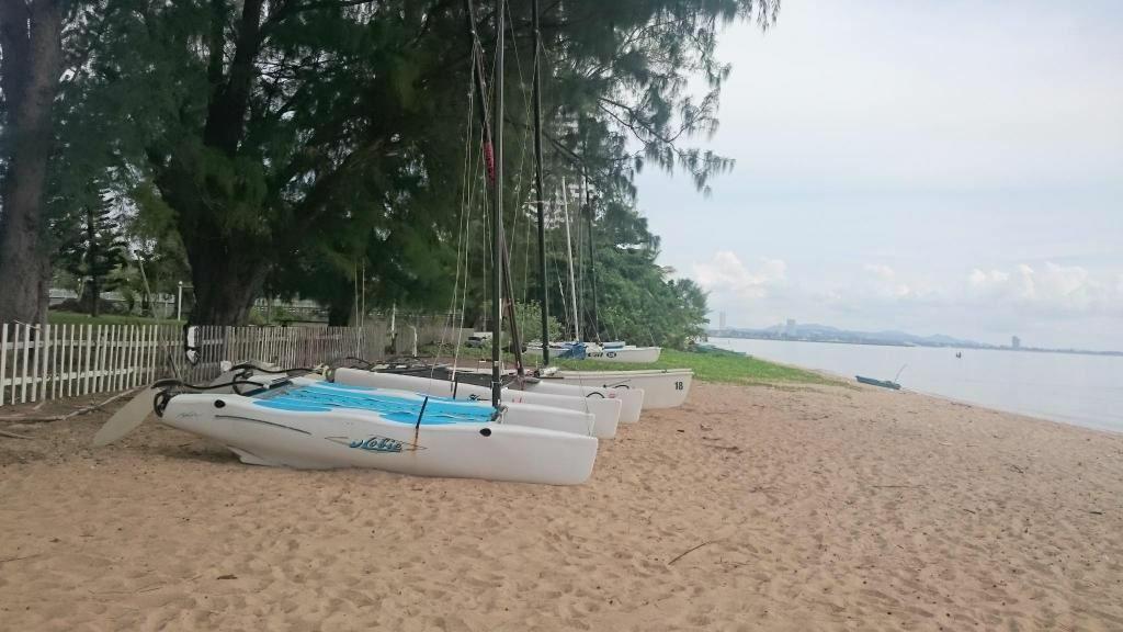 Отель Botany Beach Паттайя