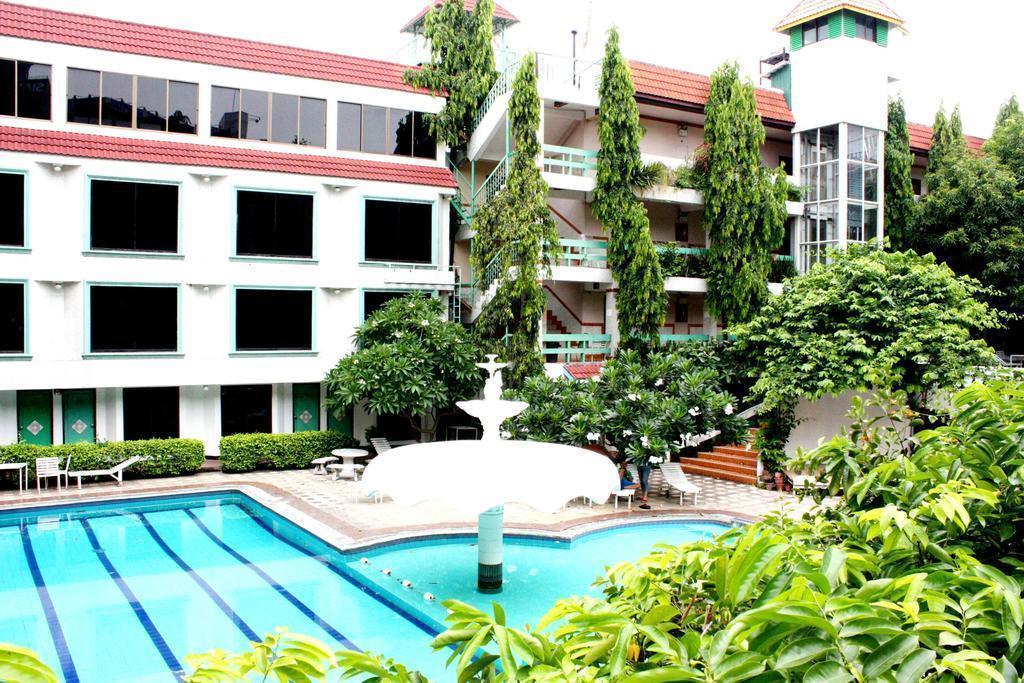 Отель Seashore Pattaya Resort Паттайя