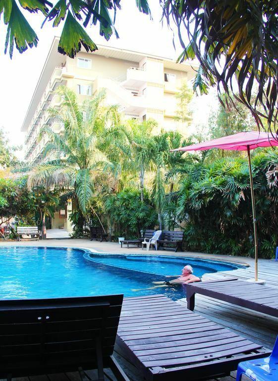 Фото Royal Tycoonplace Hotel 3*