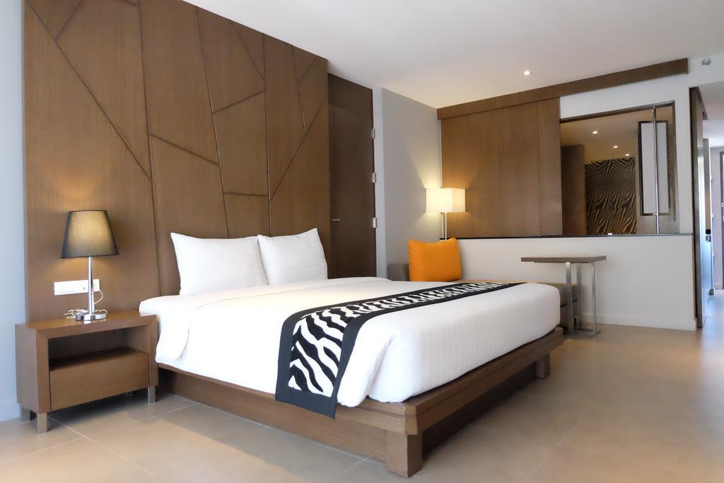 Отель Season Five Hotel Паттайя