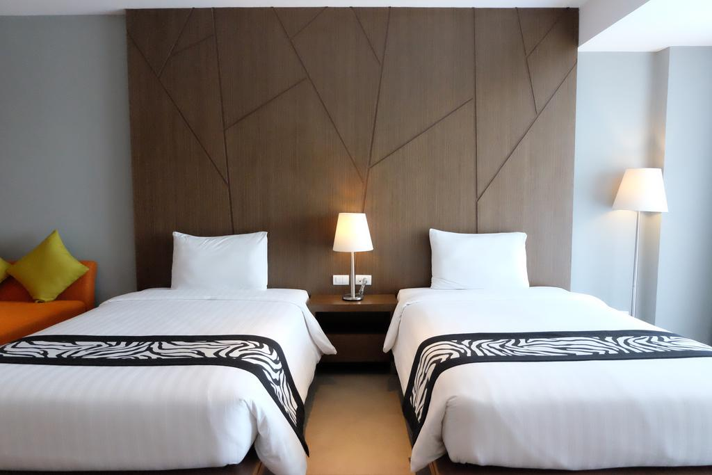 Фото Season Five Hotel Таиланд (Тайланд)