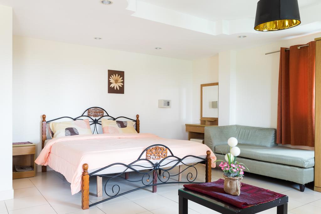 Фото Jardin Hotel Pratumnak (ex. Dacha Beach) Таиланд (Тайланд) Паттайя