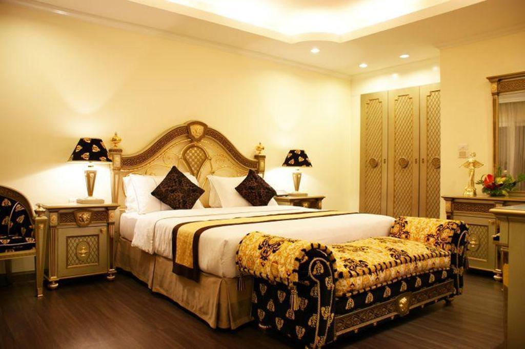 Фото LK Royal Suite 4*