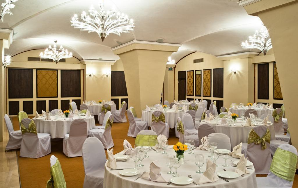 Фото New Africa Hotel Танзания