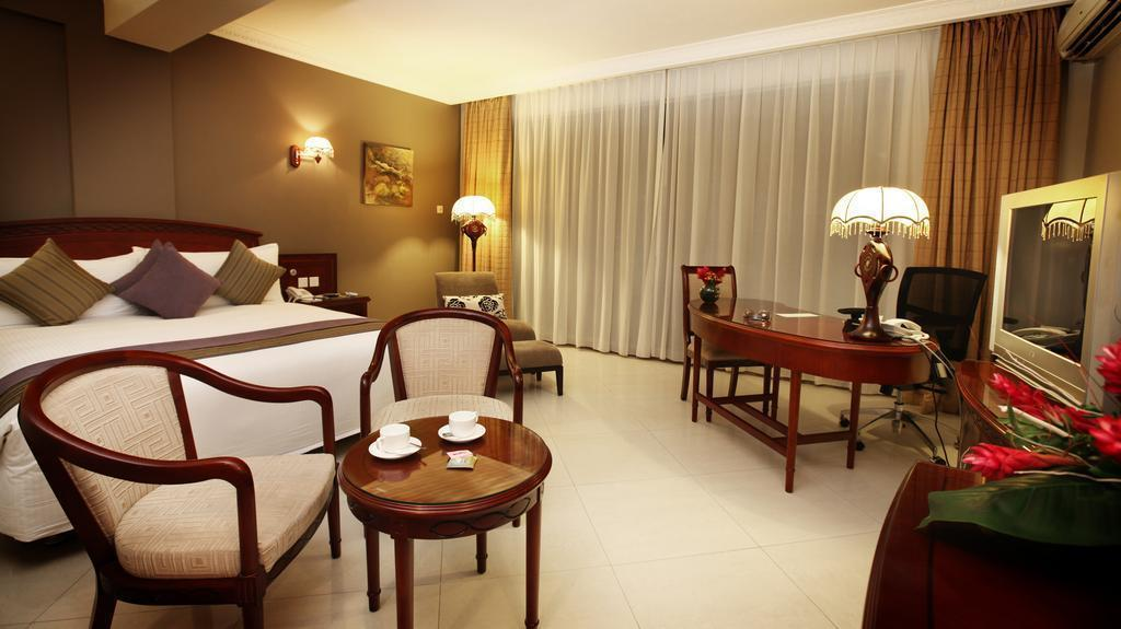 Отель Double Tree By Hilton Dar Es Salaam Танзания Дар-эс-Салам