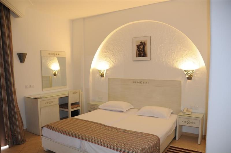 Фото Menara Hotel