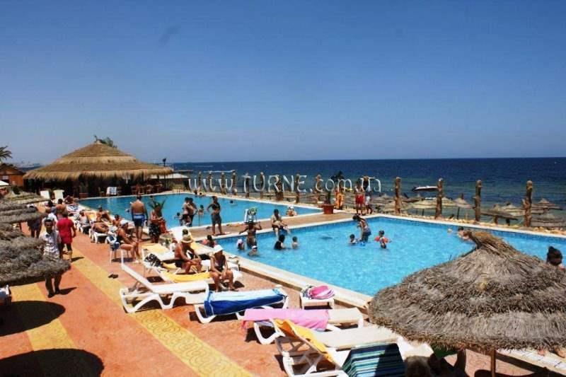 Отель Daphne Club Skanes Beach Монастир