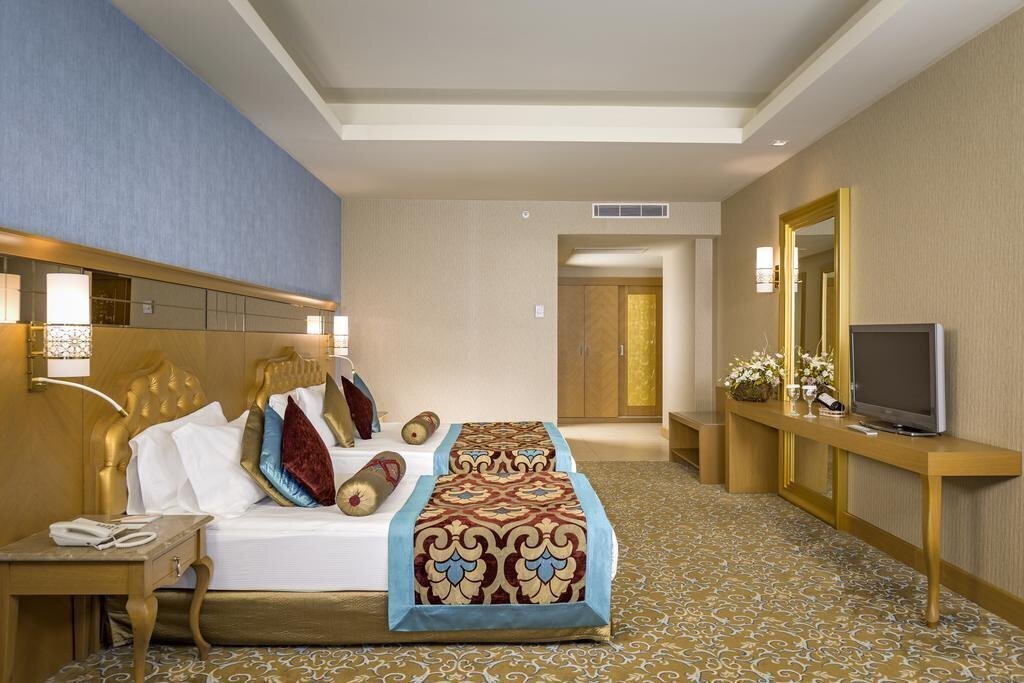 Фото Royal Holiday Palace 5*