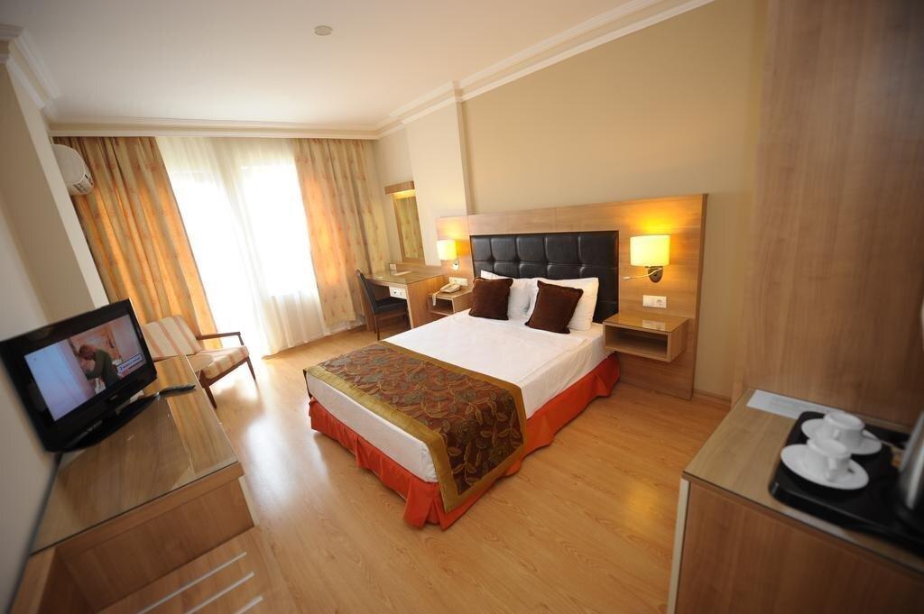 Фото Suite Laguna Hotel 3*