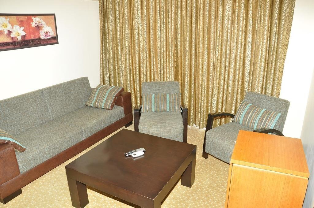 Фото Ceres Hotel 3*