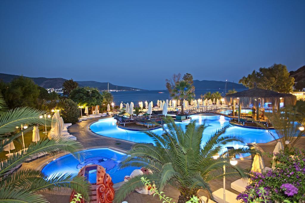 Salmakis Beach Resort And SPA Бодрум