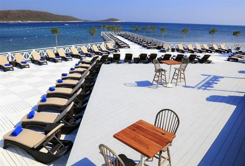 Фото D + Seya Beach Hotel