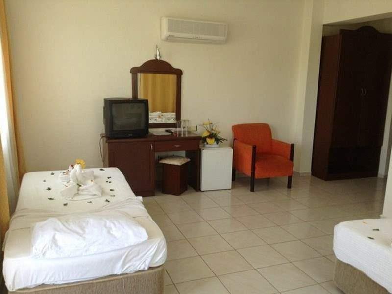 Фото Imeros Hotel 3*