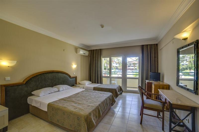Фото La Santa Maria Hotel