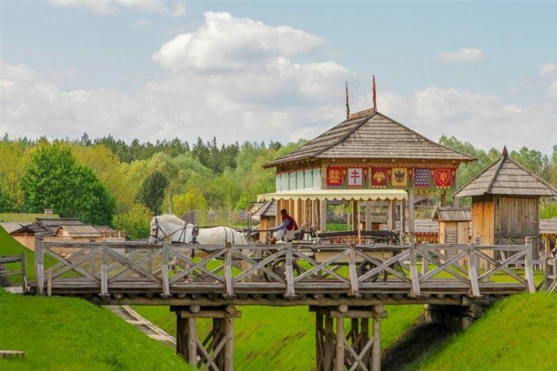 Парк Киевская Русь Украина Киев