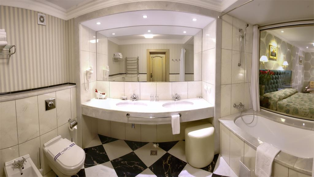 Отель Swiss-Hotel Львов