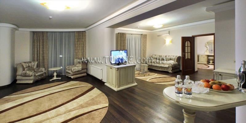 Dianna Hotel Украина Сходница