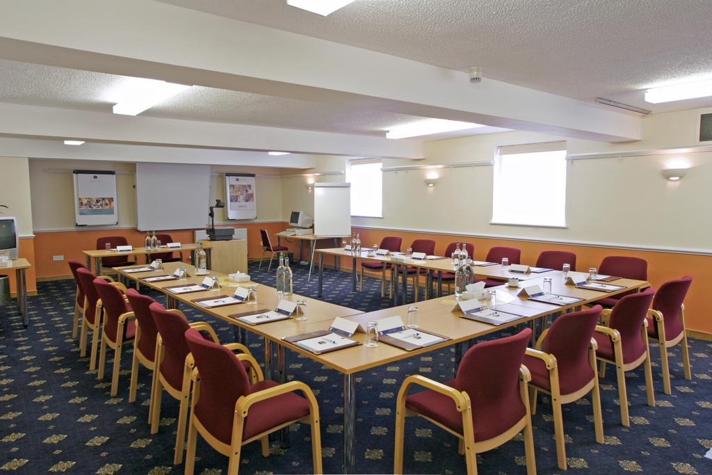Фото Best Western Limpley Stoke Hotel Бат
