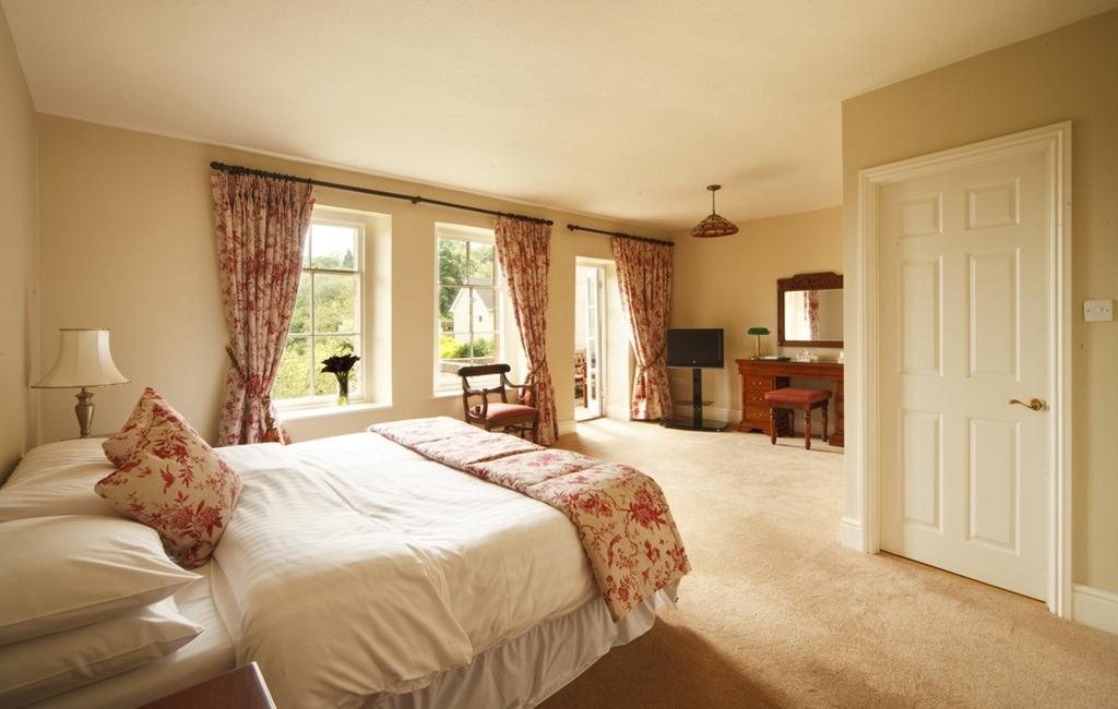 Best Western Limpley Stoke Hotel Бат